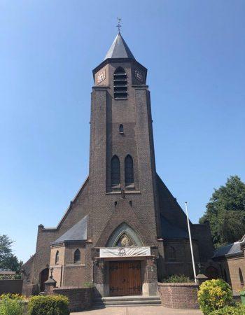 kerk-honselersdijk-voorkant-nieuw-dak